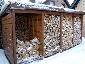 brennholzunterstand